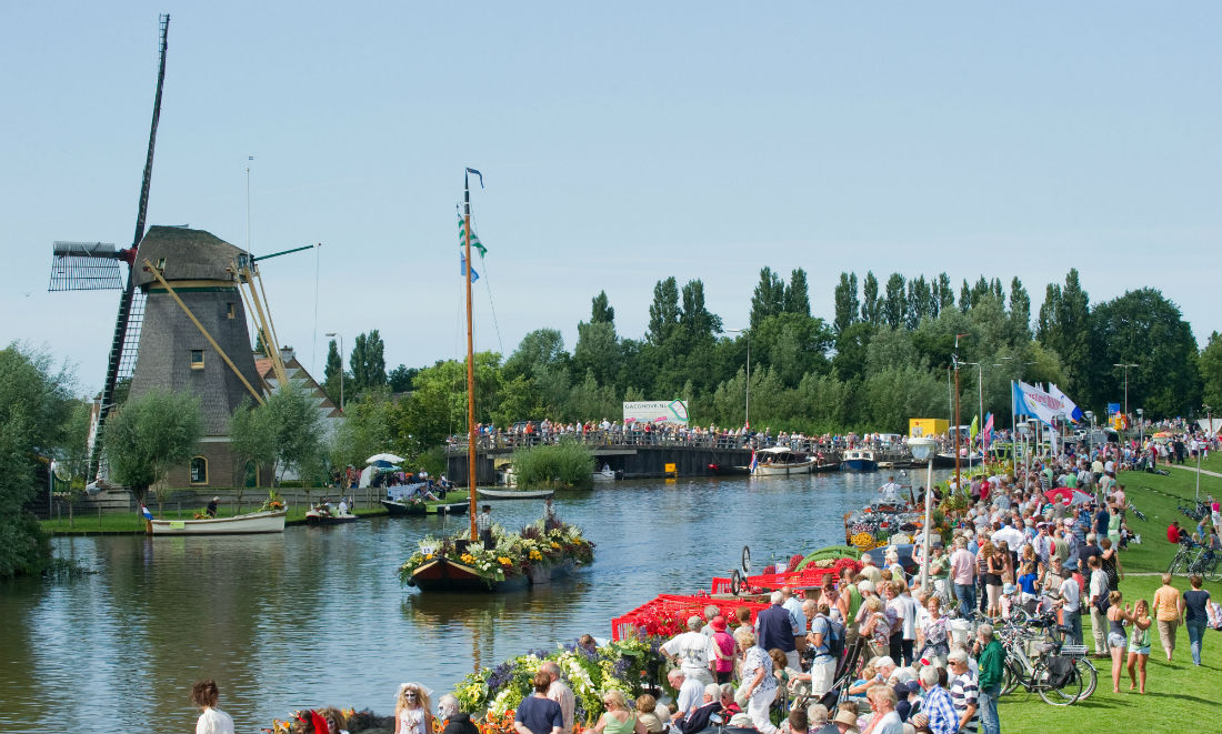 floating-flower-parade-varend-corso-westland.jpg