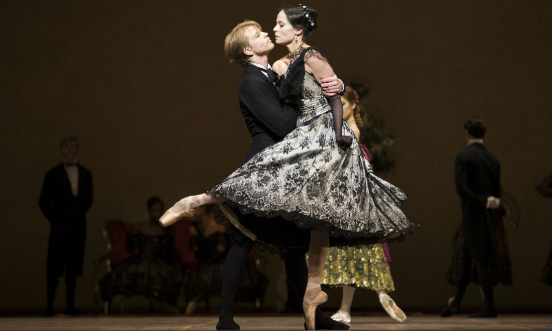 dutch-national-ballet-dame-aux-camelias.jpg