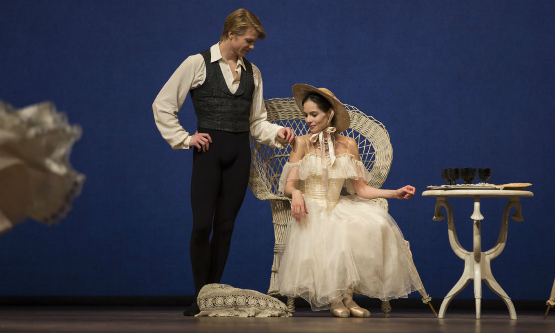 dutch-national-ballet-la-dame-aux-camelias.jpg