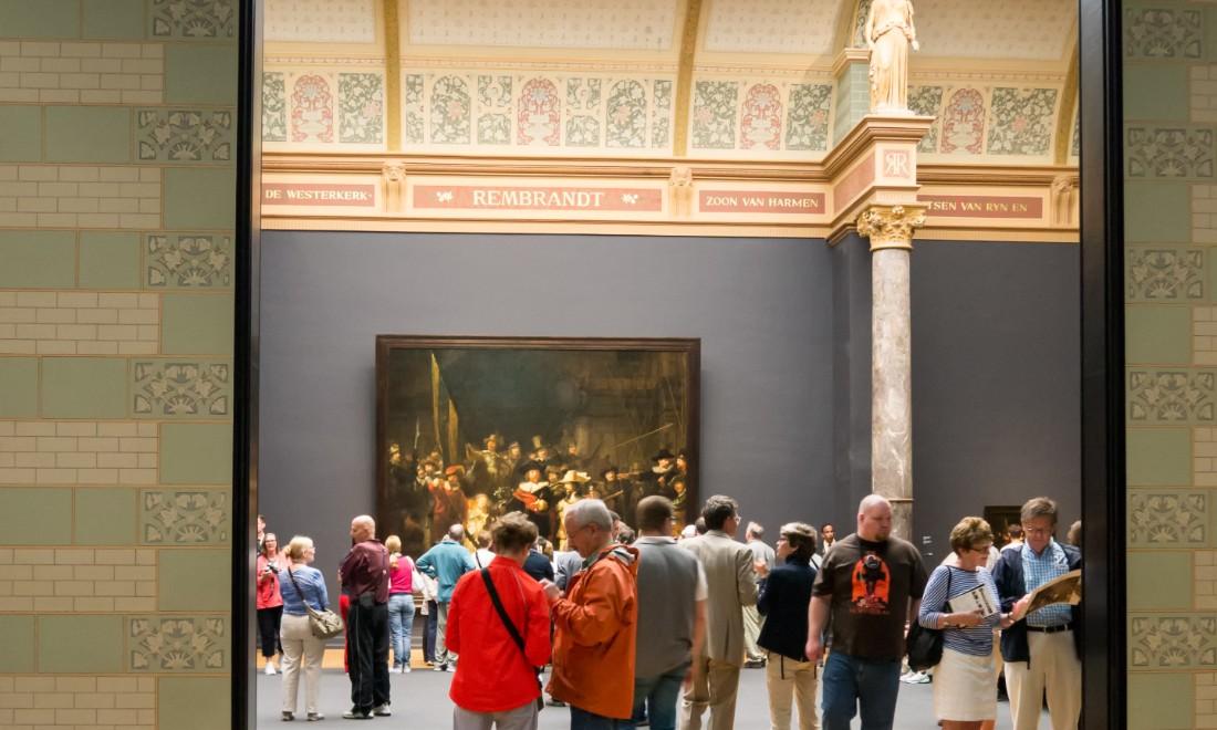 Visitors Rijksmuseum Amsterdam