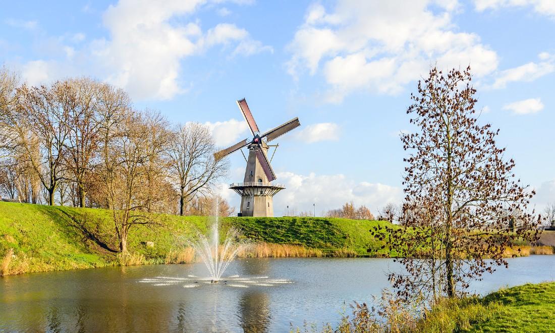 Cối xay gió Never Thought Woudrichem Hà Lan
