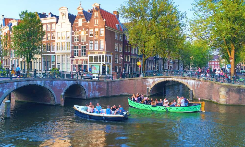 Could an alcohol ban be coming to the canals of Amsterdam?