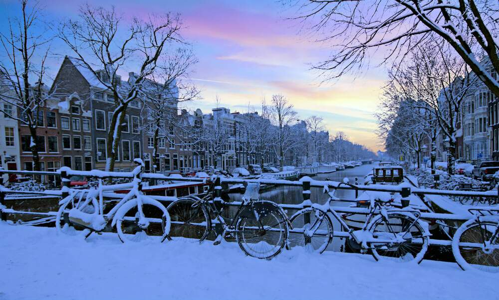 Snowfall in the Netherlands: travel problems ahead