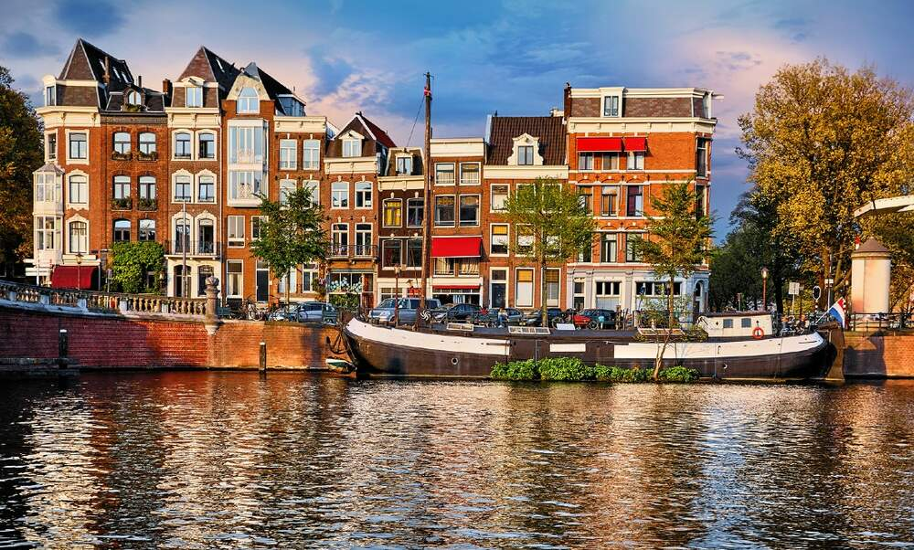 Dutch Council of State: If you rent to tourists in Amsterdam, you need a permit!