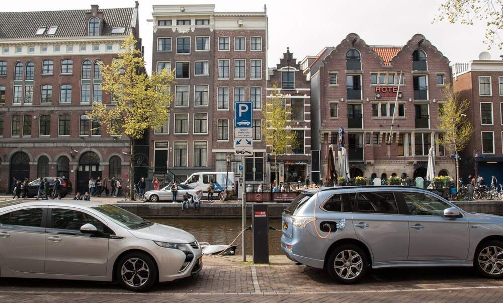 Parking price prices in Amsterdam hiked up by 50%