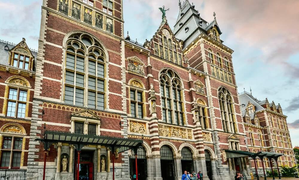 Find the secret formula and escape the Rijksmuseum!