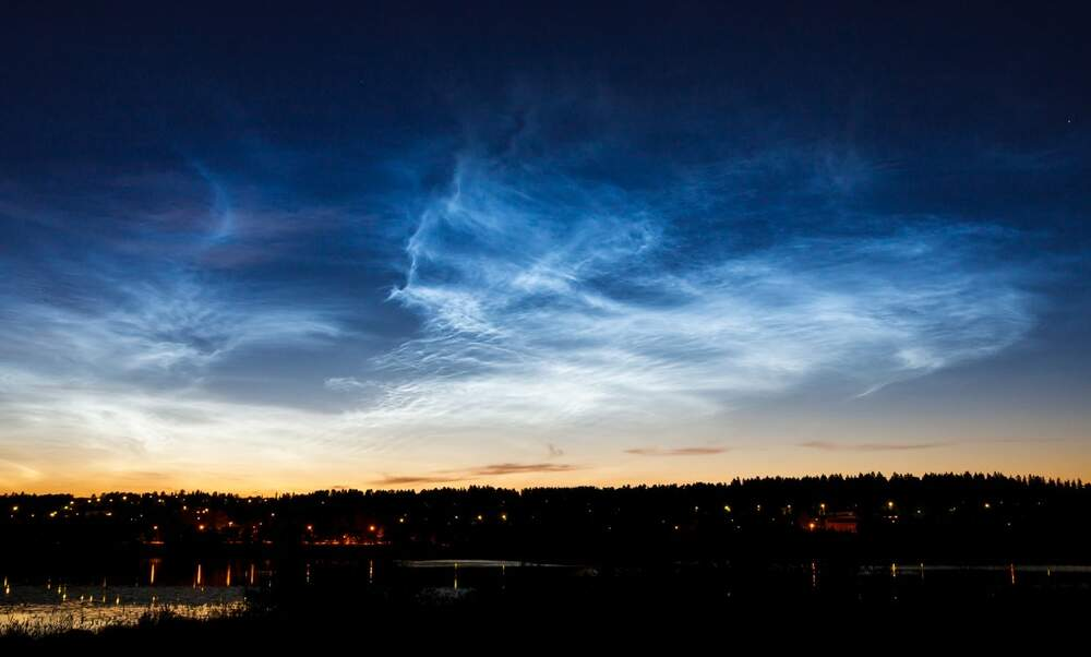 It's that time of year in the Netherlands: Spot the rare night cloud phenomenon