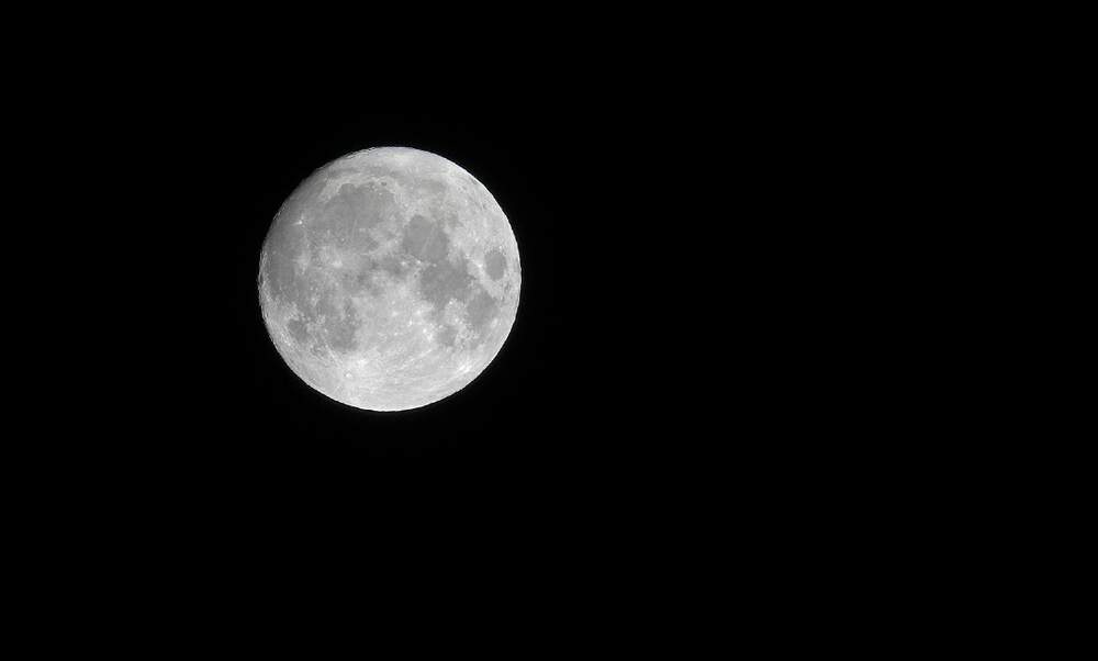 The moon on Halloween occurs only once in a blue moon