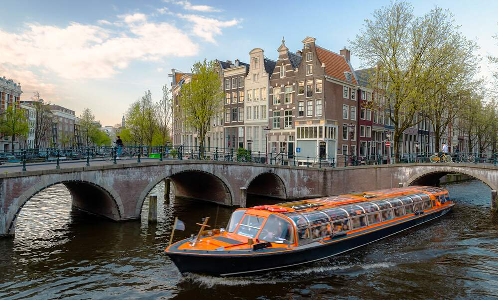 Canal cruises in the Netherlands