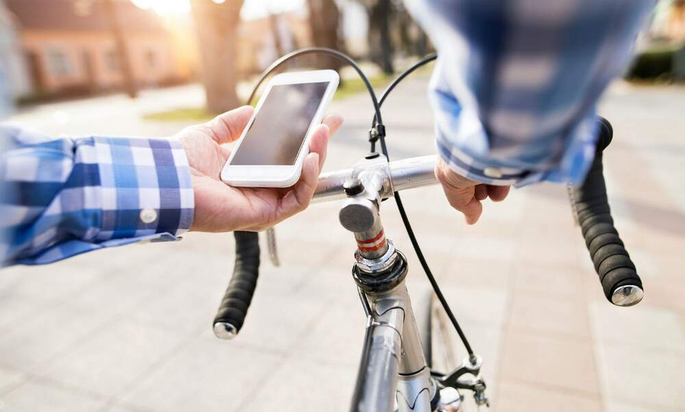 Ban on holding your phone whilst cycling in the Netherlands