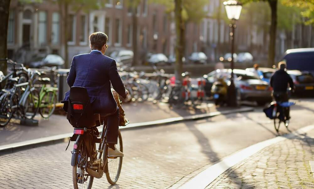 Integrating into Dutch society as an American expat:  A beginner's guide