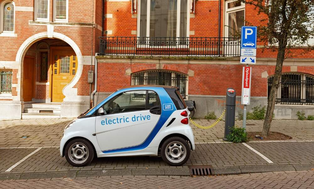Dutch students working on technology to charge a car in two minutes!