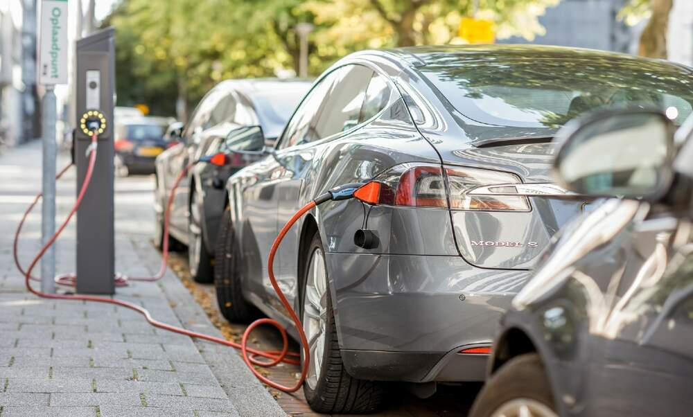 Subsidies of up to 4.000 euros for buying an electric car