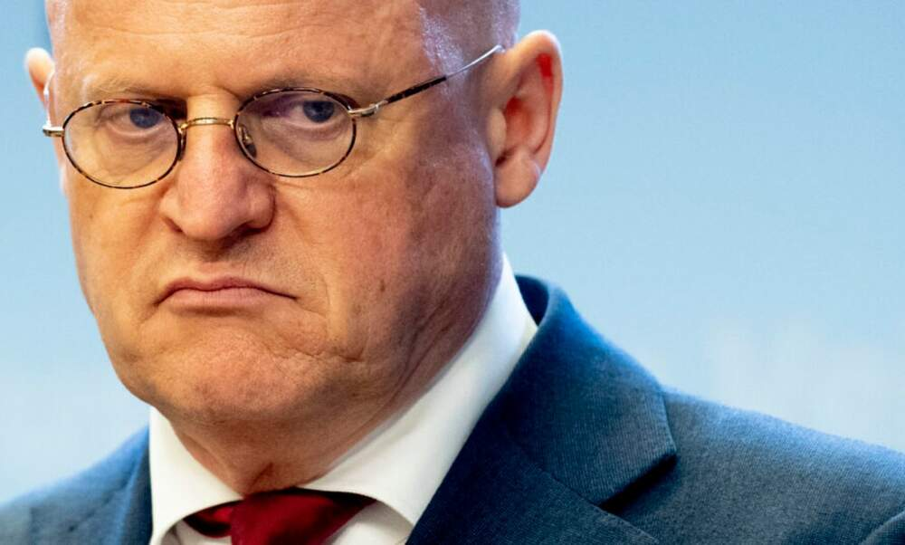 Dutch Minister of Justice keeps job following wedding photos scandal
