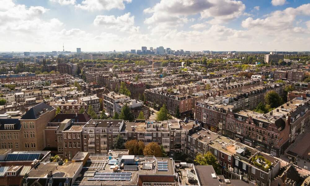 Looking beyond Amsterdam's city borders