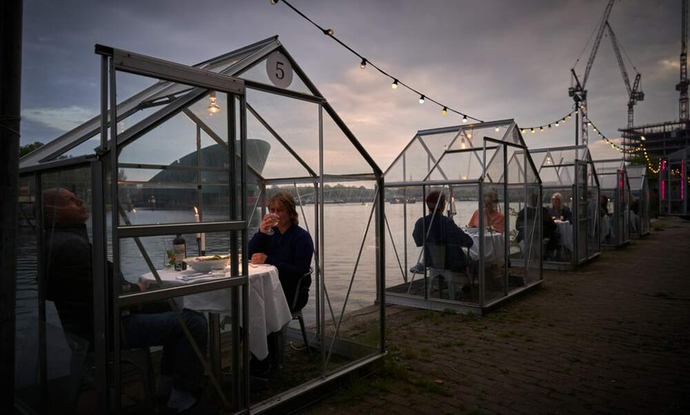 Amsterdam restaurant offers a unique and safe dining experience in greenhouses