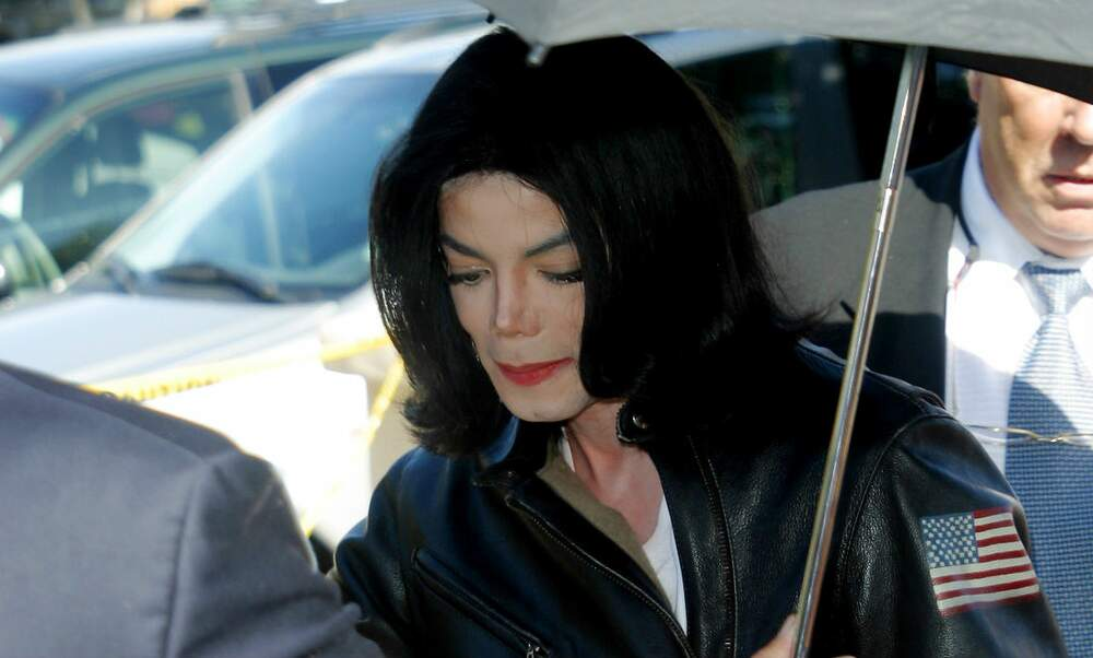 First radio station in the Netherlands to boycott Michael Jackson's music