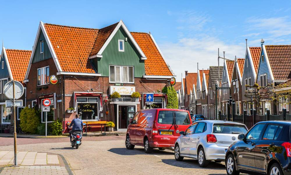 I am looking for a house but can i get a mortgage as an expat for Dutch real estate websites