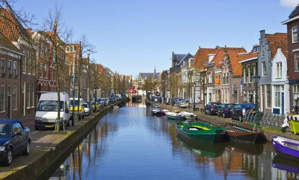 Dutch house sales back up to pre crisis levels for Dutch real estate websites