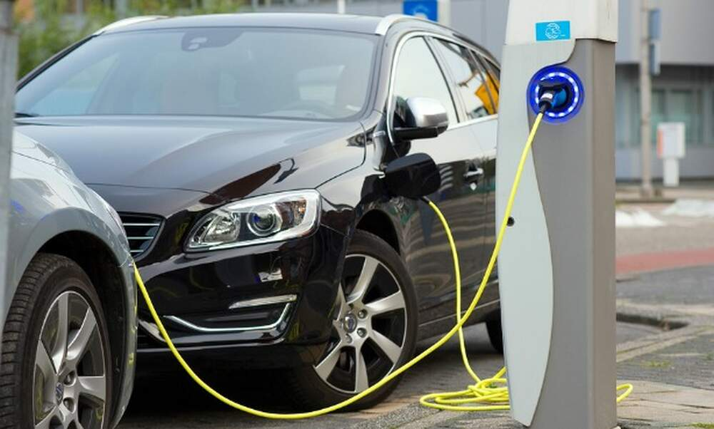 Possibly only electric cars for sale in Netherlands in 2025