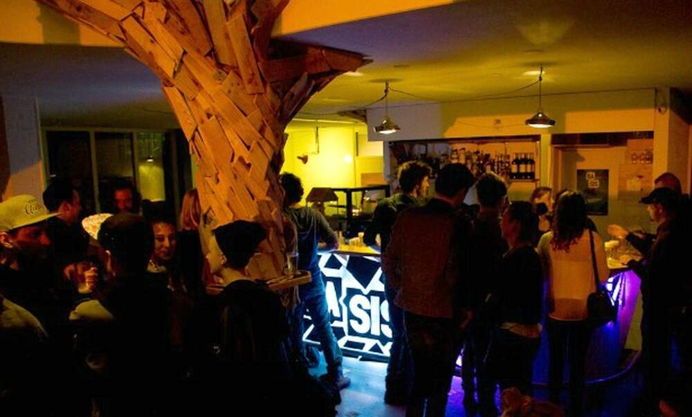 Five reasons to visit Basis, the 'bring your own food' bar in Amsterdam