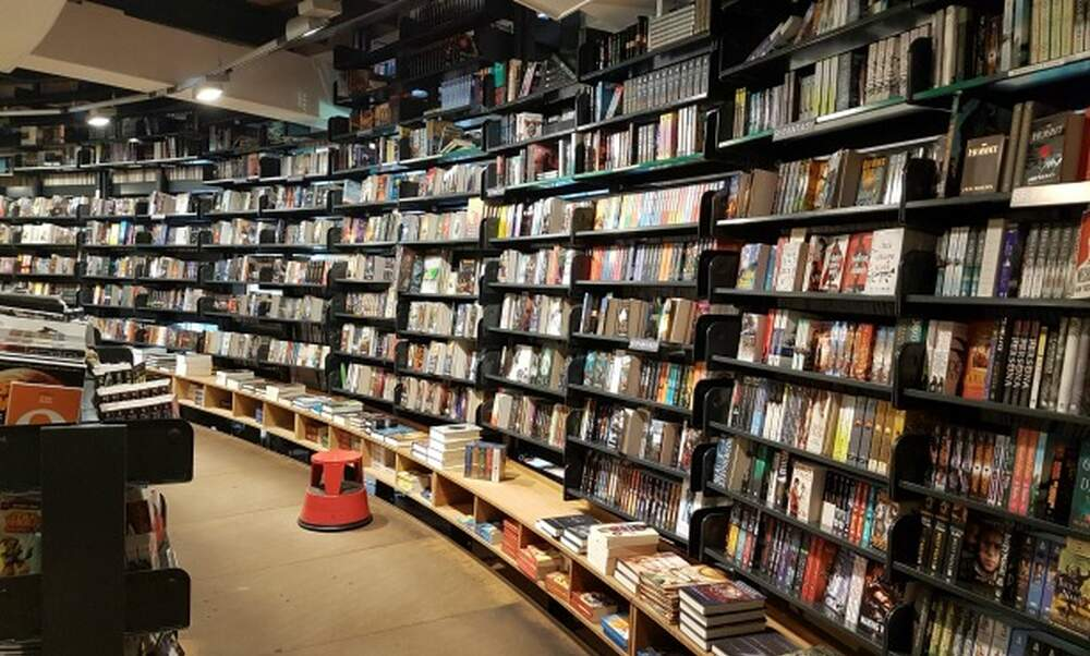 Where to find English books in Amsterdam