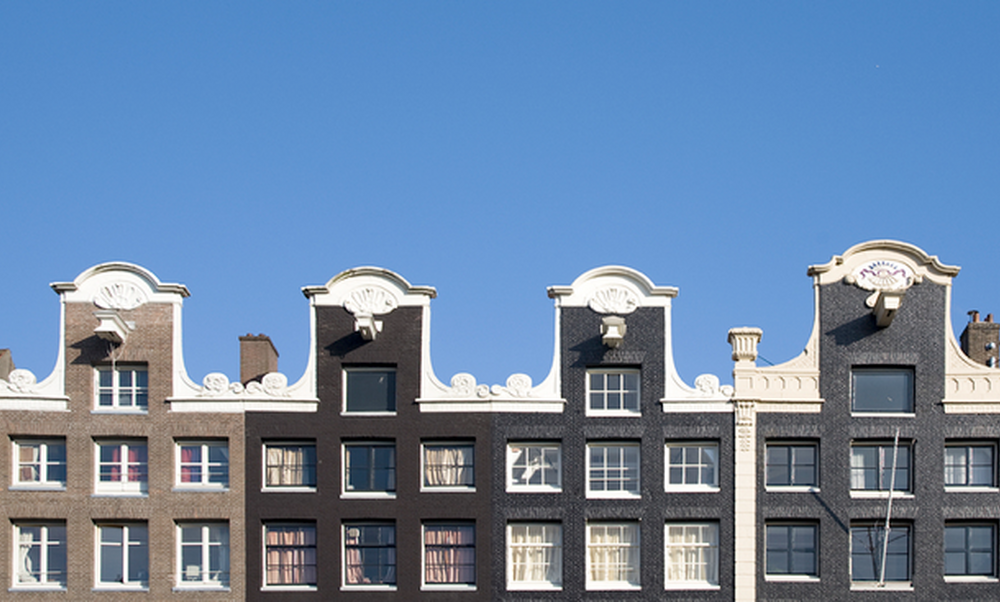 House prices in the netherlands continue to fall for Dutch real estate websites