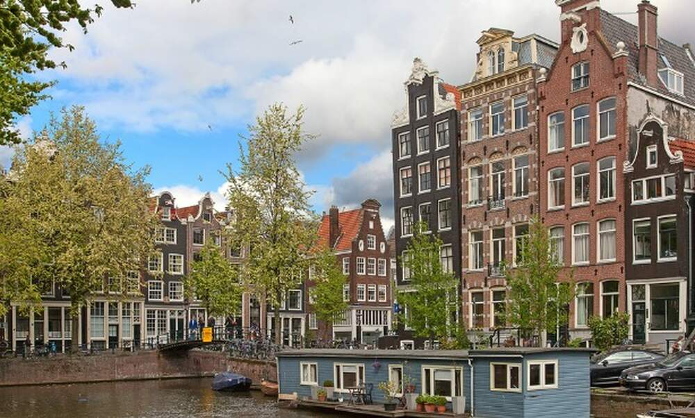 Amsterdam Will Now Permit Short Stay Rentals