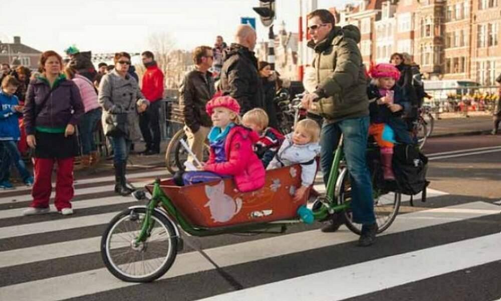 Win 3 copies of 'The Dutch & Their Bikes' by Shirley Agudo! - Main image / Thumbnail (1100 x 660)