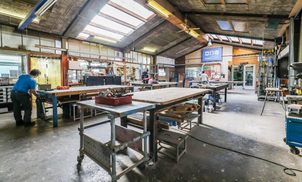 Openbare Werkplaats Amsterdam: Rent a workbench