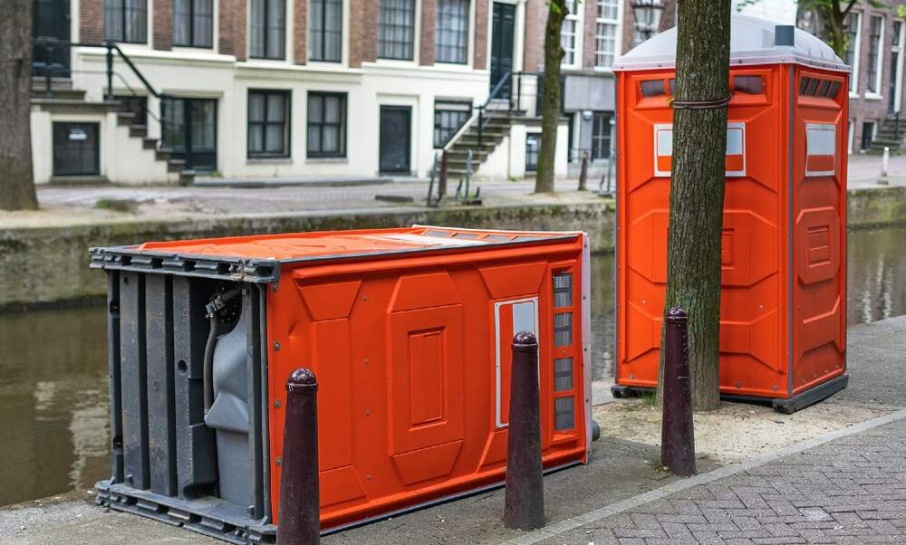Dutch police are using portable toilets to apprehend speeders