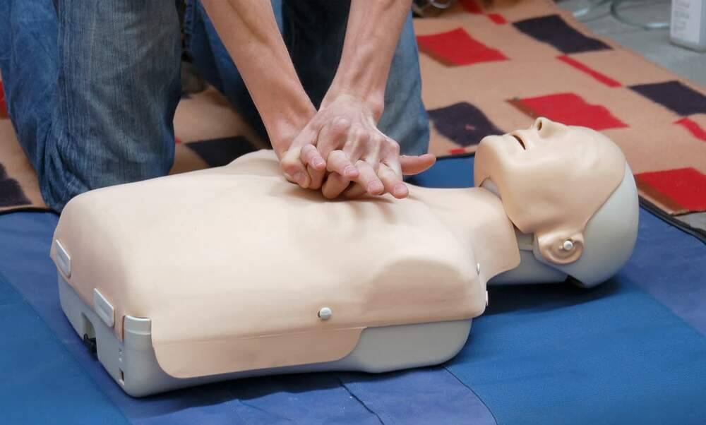 Alarming: majority of Dutch people would not resuscitate a stranger