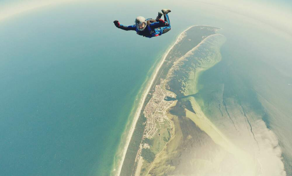 Social Skydiving: Drinks and fun with Expat Republic in The Hague