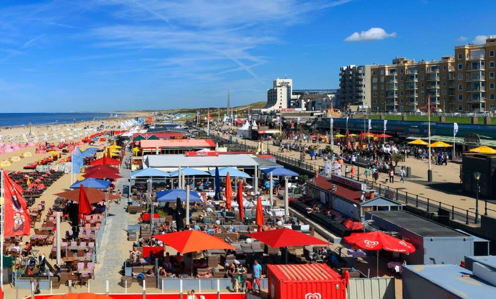Summer markets on Scheveningen boulevard