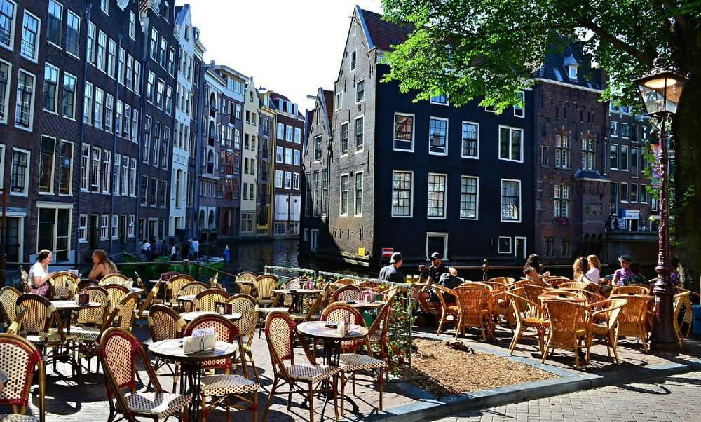 Extended terraces in Amsterdam to stay throughout summer 2021