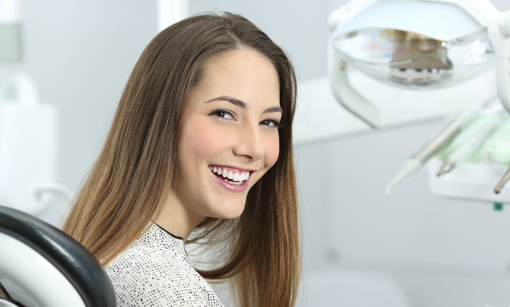 Dental Practice Plantage Middenlaan: Specialised treatments in English