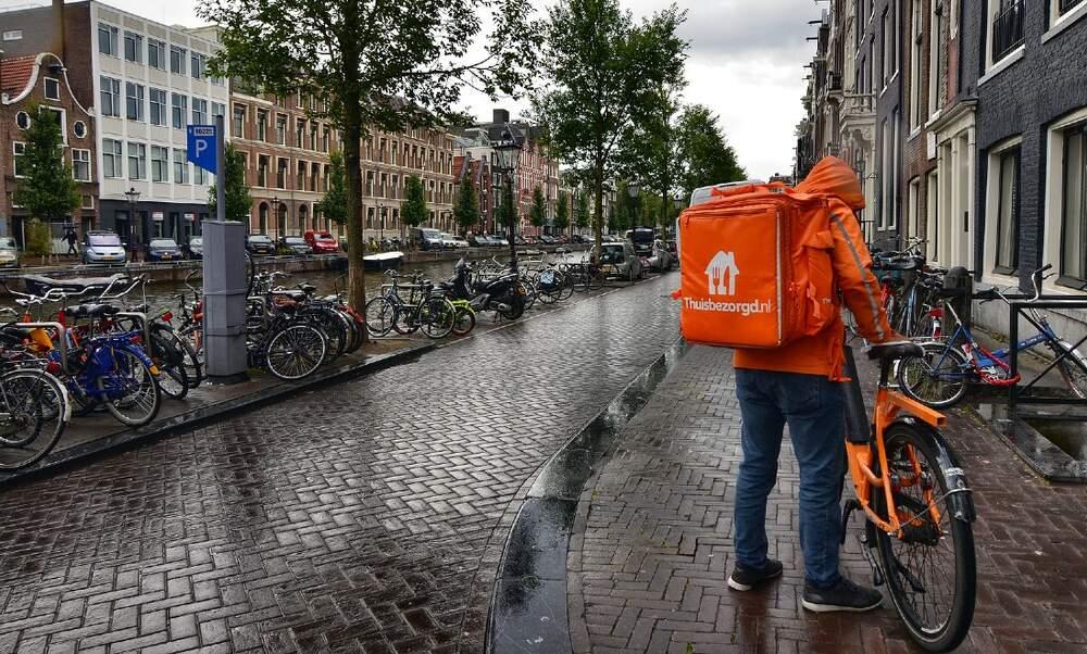 With curfew imminent, Marktplaats bans Thuisbezorgd uniform ads