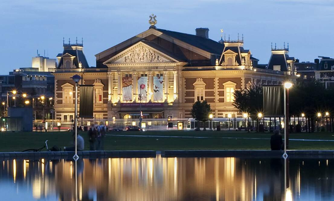 Netherlands Philharmonic Orchestra plays Mozart and Bruckner