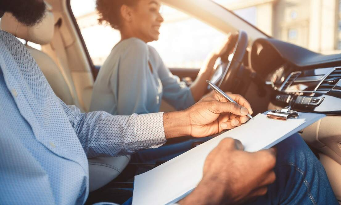 Learn to drive in Amsterdam with The Graduate driving school