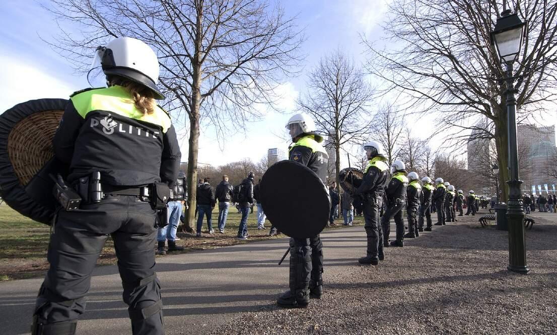 Survey reveals majority support lockdown as riots break out across the Netherlands
