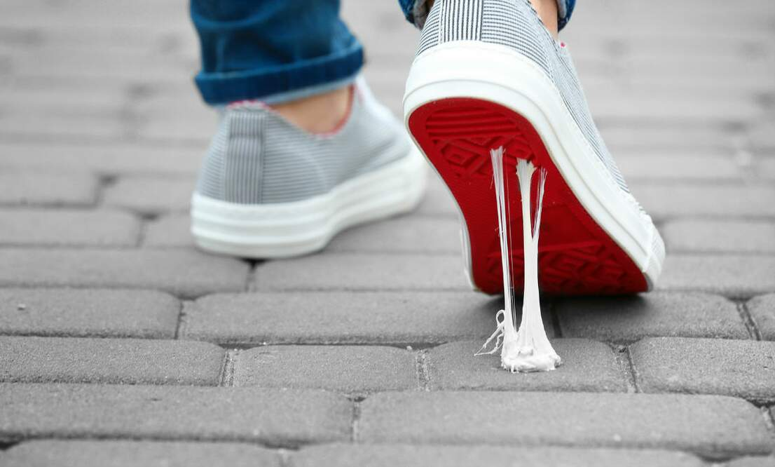 [Video] The first shoe ever made from chewing gum