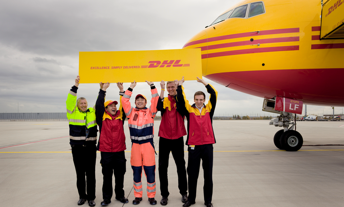 Sending your documents and parcels is easy with DHL FAST!