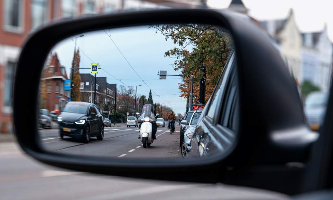 Dutch government to make helmets mandatory for all mopeds