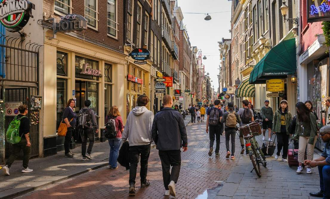 Should there be a limit on tourism in Amsterdam?