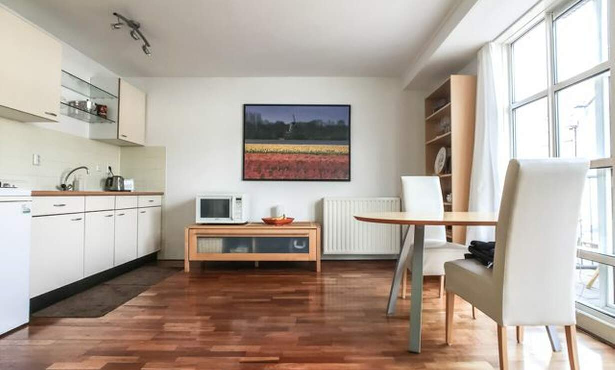 €1,075 / 1br - 50m2 - Furnished 1 Bedroom Apartment Available Now (Amsterdam Center) - Upload photos 3