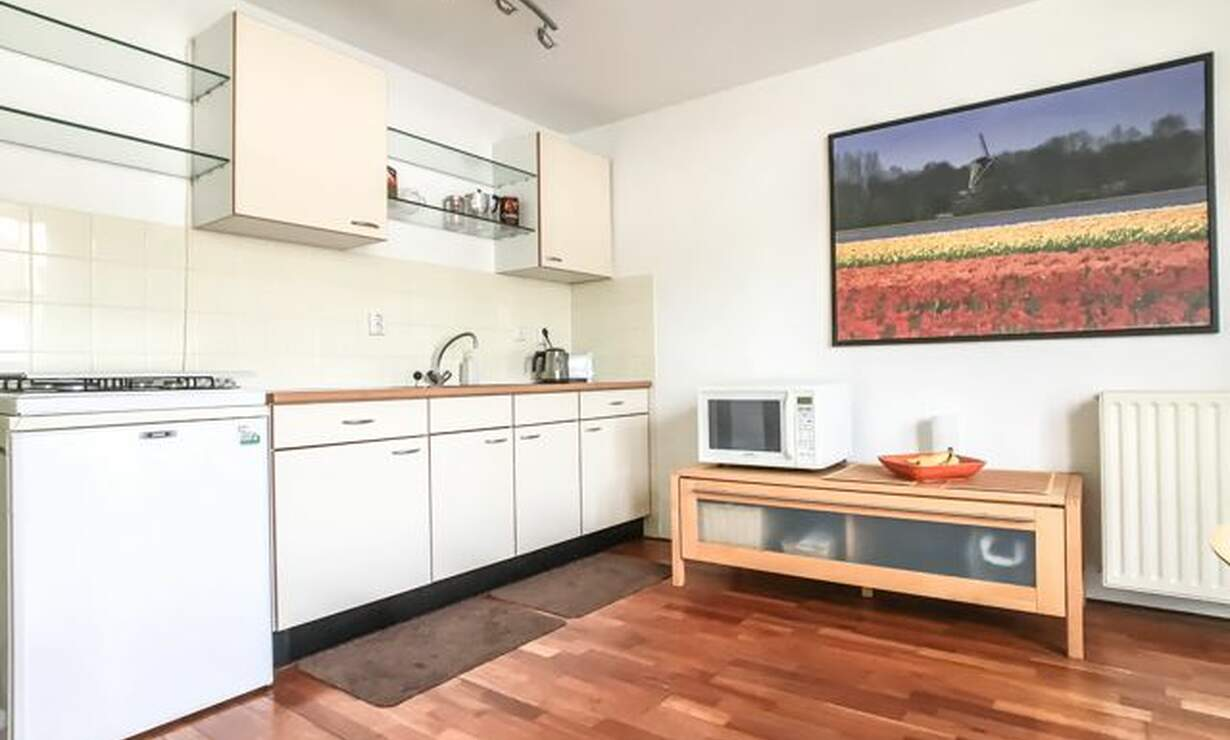 €1,075 / 1br - 50m2 - Furnished 1 Bedroom Apartment Available Now (Amsterdam Center) - Upload photos 6