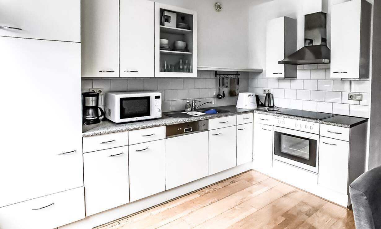 €1,675 / 1br - 90m2 - Spacious (90m2) 1 Bedroom Apartment Available from 1 September (Amsterdam Zeeheldenbuurt) - Upload photos 12