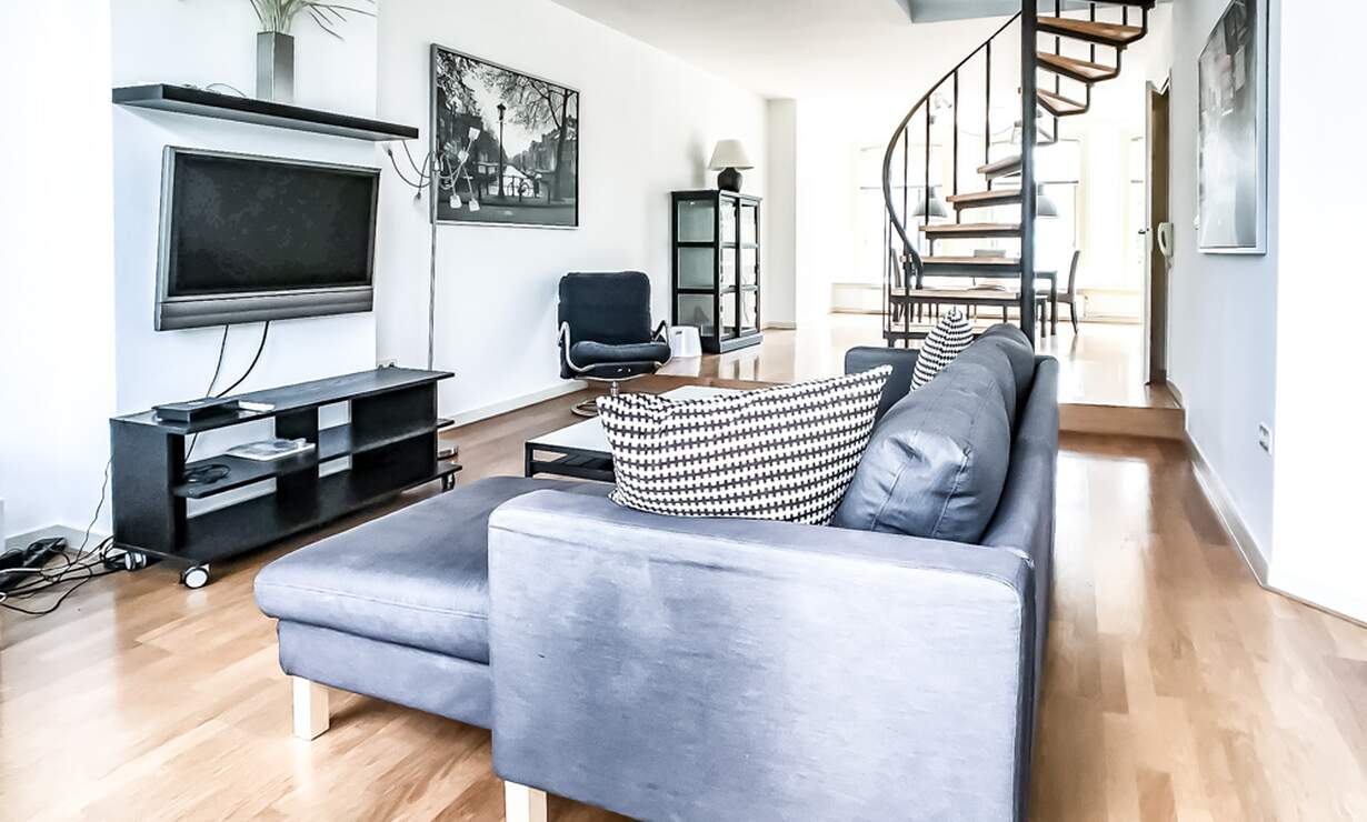 €1,675 / 1br - 90m2 - Spacious (90m2) 1 Bedroom Apartment Available from 1 September (Amsterdam Zeeheldenbuurt) - Upload photos 3