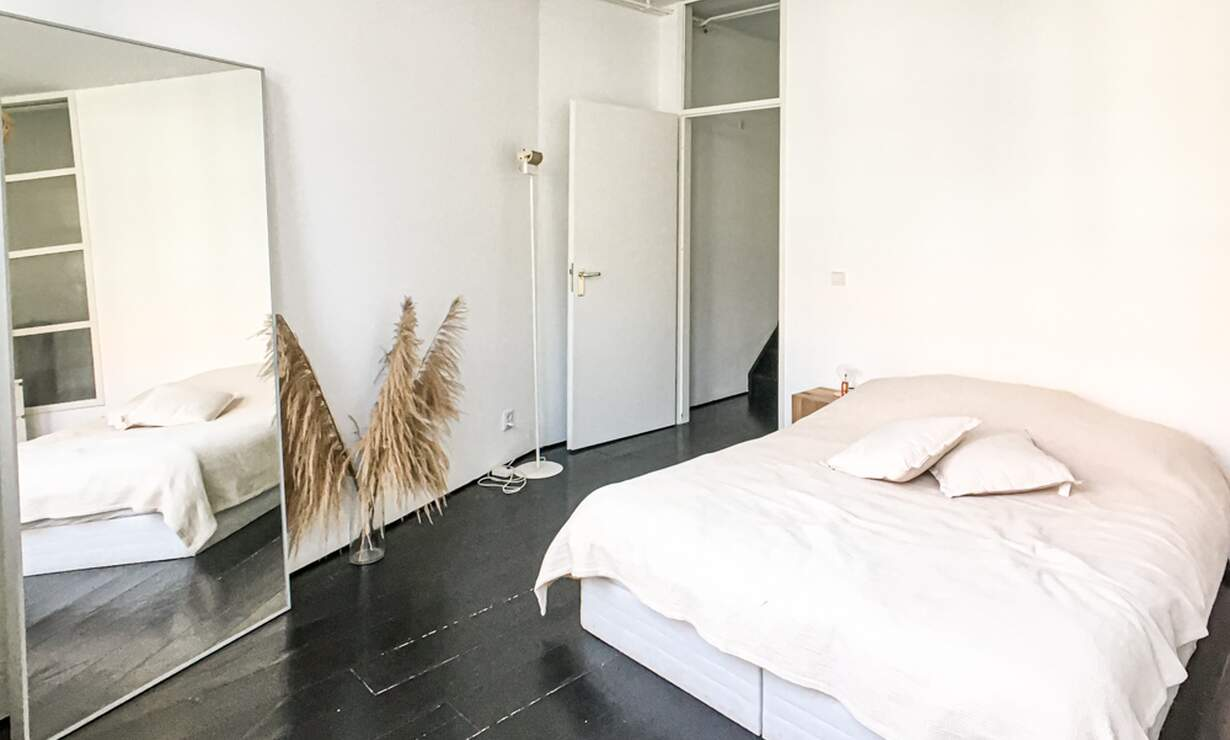 €1675 / 1br - 60m2 - Furnished 1 Bedroom Apartment with Patio and Canal View (Amsterdam Jordaan) - Upload photos 12