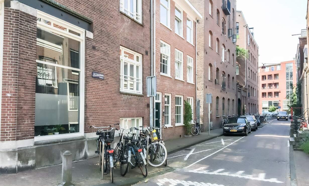 €1,250 / 1br - 30m2 - Furnished Studio Apartment Available Now to 1 Person (Amsterdam Jordaan) - Upload photos 14